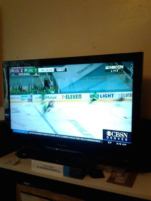 Panasonic 32 in flat screen LCD TV for Sale in Denver, CO