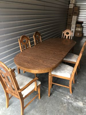 Table w/ 3 leaves and 6 chairs $150or OBO for Sale in Arlington, WA