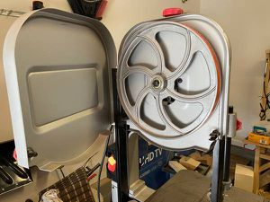Craftsman 14 inch bandsaw in excellent condition for Sale in Matthews, NC