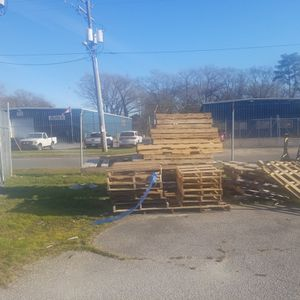 Free Pallets - Various Sizes for Sale in Chesapeake, VA