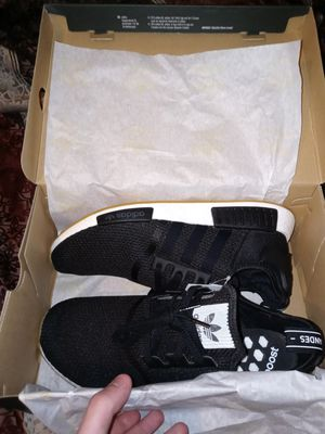 Adidas NMD R1 and Kaws x Uniqlo Shirt for Sale in Dearborn Heights, MI