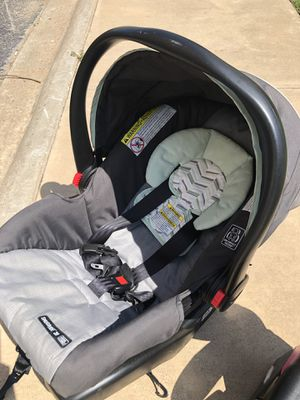Graco car seat with base for Sale in San Angelo, TX