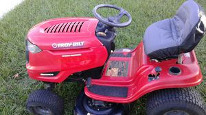 Troy-Bilt Bronco riding lawn mower tractor with hydrostatic transmission for Sale in Holiday, FL