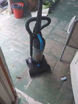 Bissel Power Force Vacuum for Sale in Winter Haven,  FL