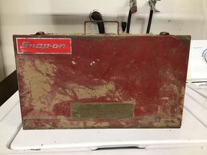 Old tool box/ snap on / hall mfg for Sale in Apple Valley, CA
