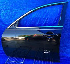 2010-2015 INFINITI G37 G25 Q40 FRONT LEFT DRIVER SIDE DOOR for Sale in Fort Lauderdale, FL