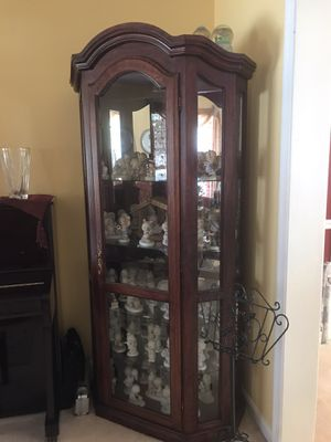 Lighted Solid Wood Curio for Sale in Manassas Park, VA