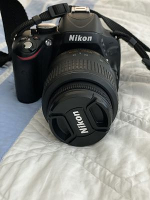 Nikon D5100 16.2 MP Digital SLR Camera - Black (Kit w/ AF-S VR 18-55mm Lens) for Sale in Kirkland, WA