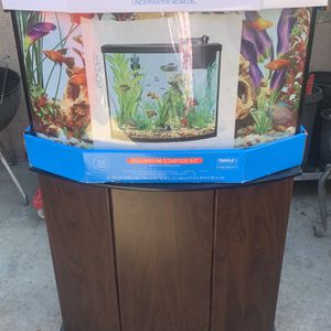 FISH TANK WITH STAND for Sale in Lakewood, CA
