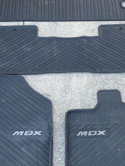 Acura MDX All Season Mats (should Pick Up) for Sale in San Antonio,  TX