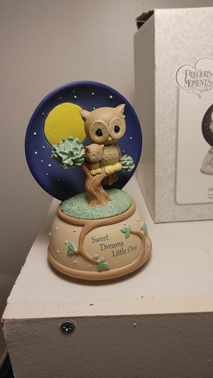 precious moments Sweet Dreams Little One, Music Box for Sale in Greer, SC