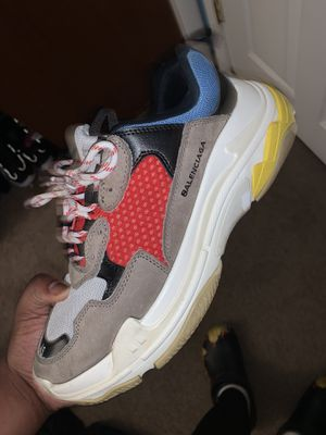 Balenciaga triple S size 45 for Sale in Brandywine, MD