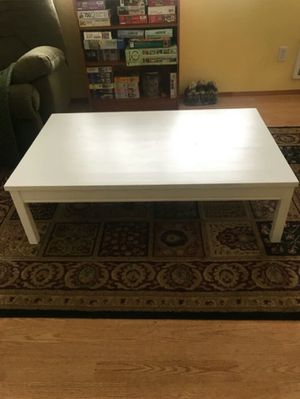 Large wood coffee table for Sale in Lynnwood, WA