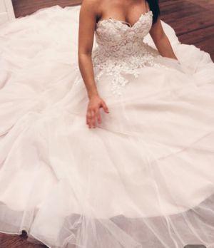 Wedding dress Medium Size 6 for Sale in San Jose, CA