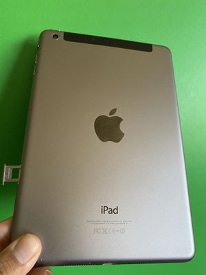 Apple Ipad Mini 2 (Retina Display/ 2 HD camera/ IOS 12 ) 16GB WiFi + Cellular (Unlocked) with complete Accesories for Sale in El Monte, CA