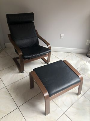 Black armchair with ottoman for Sale in Pembroke Pines, FL