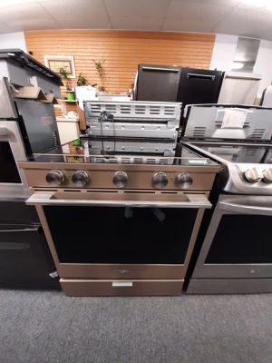 Stove for Sale in Kissimmee, FL