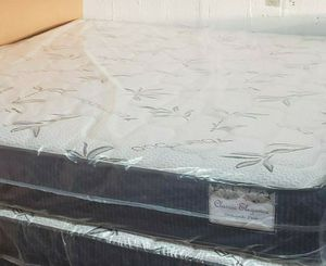 GREAT SALE KING PLUSH MATTRESS AND BOX SPRING for Sale in Biscayne Park, FL