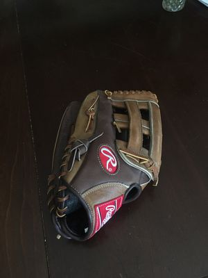 Left handed Rawlings baseball/softball glove for Sale in Oakland, CA
