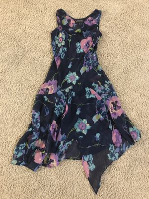 Women's clothing. Size small dress , old navy linen pant size -4 , skinny pant size-0 for Sale in Dublin, OH