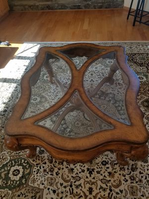 Classy coffee table.Semi 42 wide,54 long,20 depth!200 firm normal wear 8-10 condition (Northridge )payed 450 for Sale in Los Angeles, CA