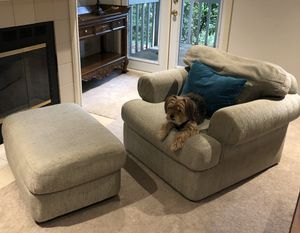 2 chairs and an ottoman for Sale in Issaquah, WA