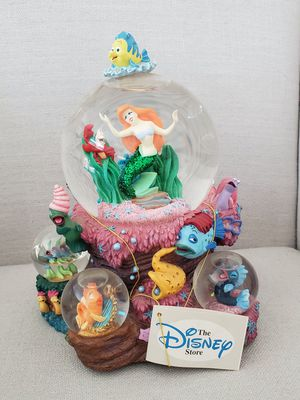 Disney The Little Mermaid Ariel Musical Snowglobe collectible statue with mini globes for Sale in Placentia, CA