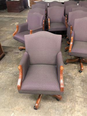 Traditional office chairs for Sale in Doraville, GA