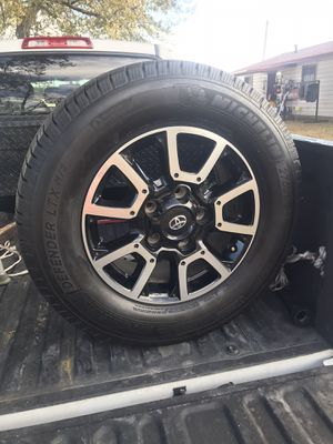 Toyota Tundra set of whells end tires for Sale in Hialeah, FL