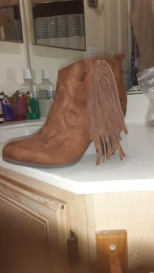 MADDEN GIRL LEATHER BOOTS PANCHO for Sale in Phoenix, AZ