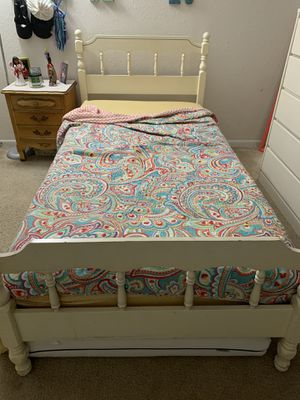 Twin bed + nightstand for Sale in Austin, TX