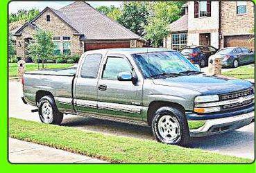 Priceֆ12OO 4WD CHEVY SILVERADO 4WD for Sale in Los Angeles,  CA