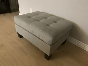 """Modern gray ottoman great for a couch sofa sectional 32"""" x 23"""" x 17"""" tall for Sale in Peoria, AZ"""