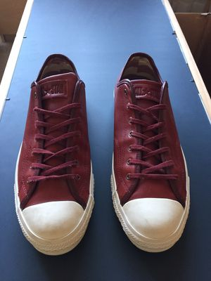 Converse Leather Unworn Pair Men Size 10 for Sale in Orlando, FL