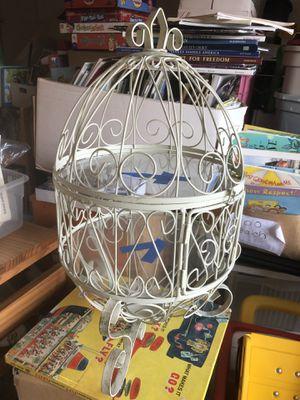 1 item egg looking cage for Sale in Leesburg, VA