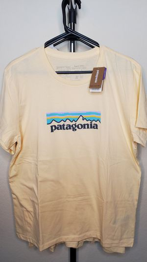 Patagonia Women's Shirt - Medium for Sale in Hawthorne, CA
