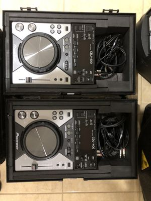 #2 Pioneer CDJ 400 players with black odyssey flight cases and Traktor Scratch Pro DJ software with Audio 10 sound card. for Sale in Elmhurst, IL