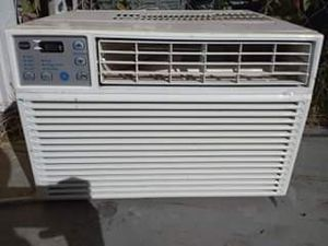 GE AC WINDOW AC UNIT for Sale in Fort Worth, TX
