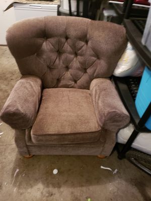 Callans chair for Sale in Brainerd, MN