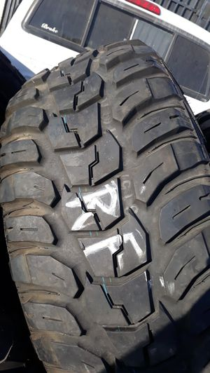 4 used tires 315 70 r17 kumho mt good condition $350 for Sale in Anaheim, CA