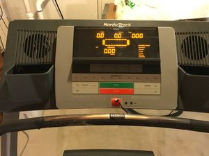 NordicTrack C2050 treadmill for Sale in Bolingbrook, IL
