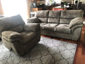 Sofa and recliner for Sale in Bremerton, WA