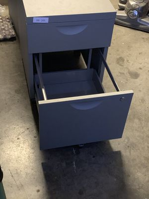 Metal file cabinet for Sale in Redwood City, CA