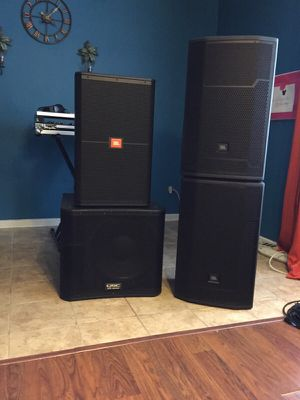 Speakers JBL QSC $70 for Sale in Queens, NY