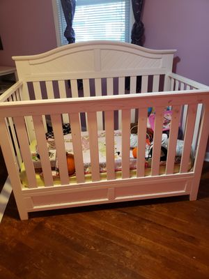 Crib for Sale in Middlesex, NJ