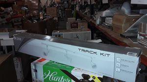 LITHONIA LIGHTING LTKNSTBF Series Track Kit 3-Light 44-in for Sale in Mableton, GA