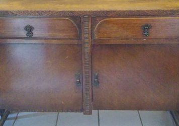 ANTIQUE SOLID WOOD CABINET for Sale in Phoenix,  AZ