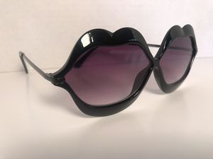 New lip sunglasses for Sale in St. Louis, MO