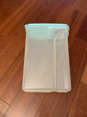 Rubbermaid food container for Sale in Fairfax, VA