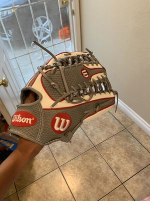 Wilson a2000 baseball glove glove of the month for Sale in Moreno Valley, CA